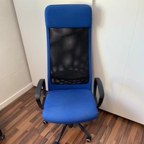 Blå kontorstol, nypris ca. 900kr