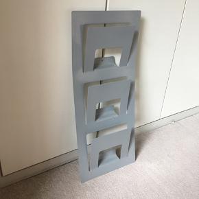 Fin avis/bladholder fra Ikea. Fejler Intet!