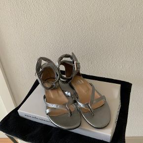 Nü sandaler