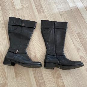 Læder støvler i sort ☺️