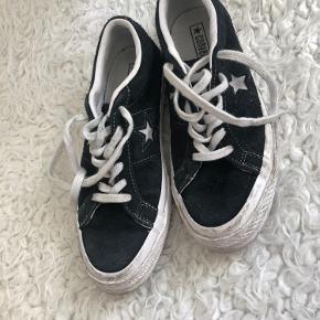 Gode converse sko. Fremstår i rigtig fin stand. Sælges da de ikke bruges længere