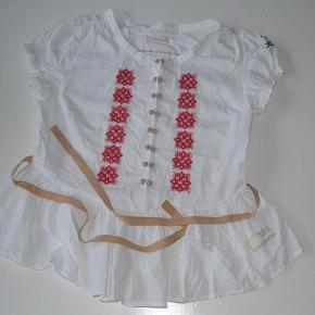Varetype: bluse fra odd molly Størrelse: 1 Farve: se foto  Sød odd molly bluse i str 1 ved ts betaler køber for dette,tager mobilepay