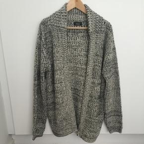 Trøje med lommer i grov strik