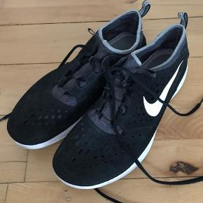 Nike sneakers str 44