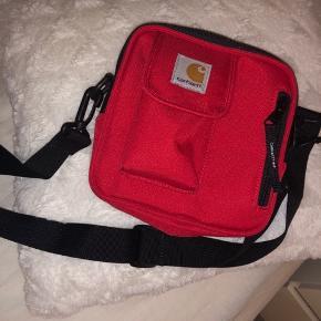 Helt ny taske, dog uden prismærke.  100kr