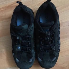Ecco sneakers