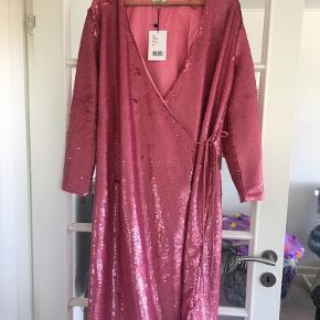 Smuk unik ganni kjole , købspris 3000kr, mp 600kr