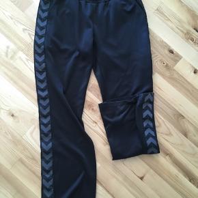 Retro Hummel Dame jogging bukser med brede ben. Str. L / XL