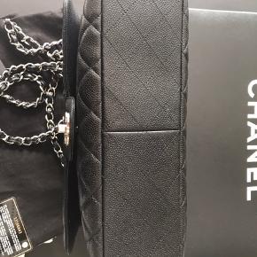 Chanel Single Flap Jumbo Sort kaviar med sølv hw Aut. kort, dustbag, kvittering og æske medfølger Tasken er i Aalborg