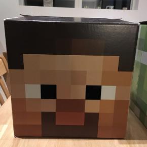"""Minecraft pap-hoveder til udklædning. """"Steve er noget slidt ovenpå (se billede 3). 15 kr. pr. hoved"""