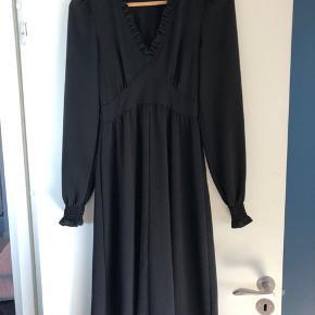 Only og monki kjoler passer str 34- xs