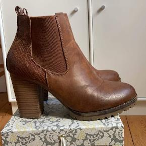 Forever folie heels
