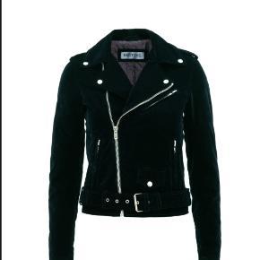 4d4a75be Sælger min Meotine Holly velvet jakke (udgået model) i grøn da jeg ikke får
