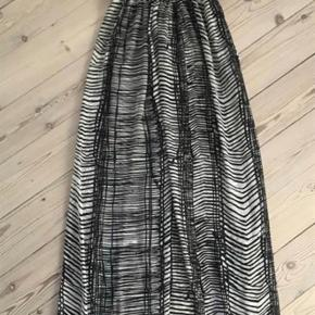 Varetype: lang strand kjole Farve: som billede  Bytter ikke