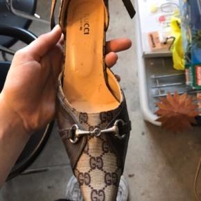 Sælger disse Gucci stilletter da de er for små til mig. 😊