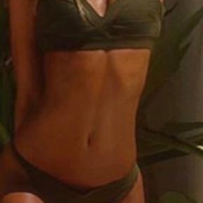 Sælger denne flotte bikini, kun brugt et par gange og fejler derfor intet☺️