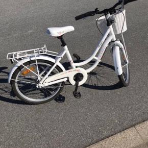 """Fin 20"""" pige cykel fra x-zite. Virker som den skal"""
