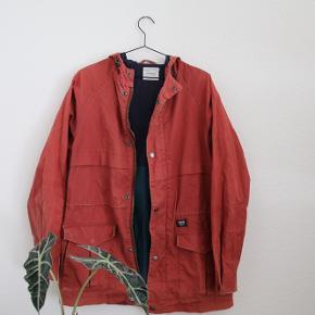 Slidt jakke fra Wood Wood. Fejer dog intet.