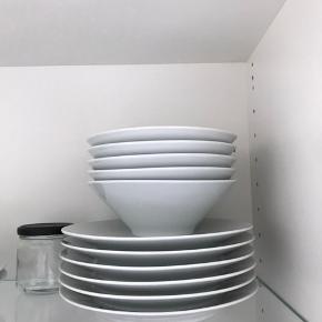 5 x store tallerkener  5 x små tallerkener 5 x små skåle