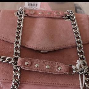 Helt ny Nunoo Josephine taske i Rosen farve ruskind sælges