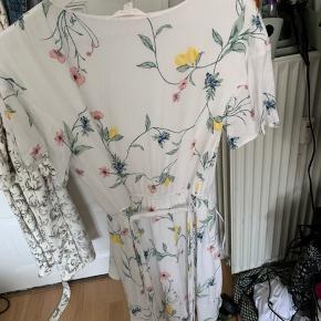 Lauren Conrad kjole aldrig brugt