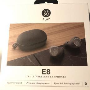 B&O E8 trådløse høretelefoner