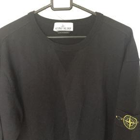 Stone Island crewneckStr. XXL (fitter XL)Meget god stand Tag den for 1000kr  Følg mig profil for billigt streetwear, highend og sneakers.