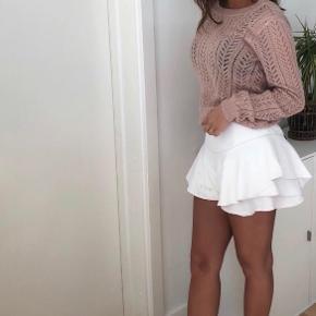 Sælger de her shorts som ligner en nederdel i hvid