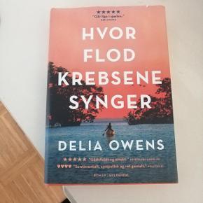 Hvor flodkrebsene synger af Delia Owens. Læst en enkelt gang så den er som ny☺️ Sender gerne