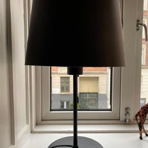 2 lamper - sælges gerne samlet. Pris pr.stk: 260 Samlet for to lamper: pris : 500kr.