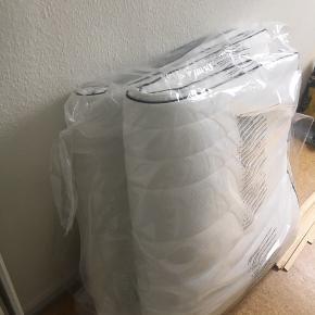 Sælger denne top madras fra Dreamzone (PLUS C60). Den er aldrig brugt og stadig i indpakningen.  Mål er 180x200    - Topmadrassen til en enkeltmands seng, bliver solgt for 1.399kr i Jysk   Mp. er 1000kr