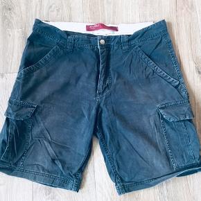 4you cargo shorts - mærket str 35, svarer til en large - xlarge
