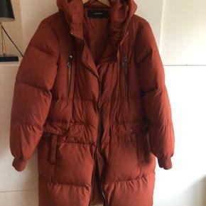 Dejlig varm dun jakke Købt sidste år, fejler ikke noget