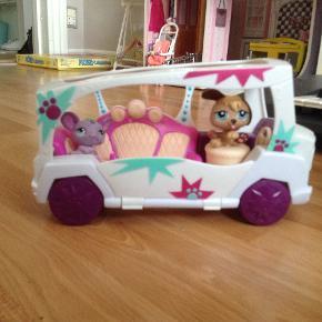 Littlest Pet Shop bus/van, i fin stand.