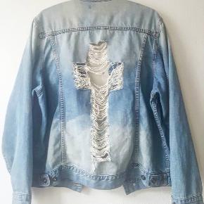 Oversize denim jakke passer str 36-38 som oversize