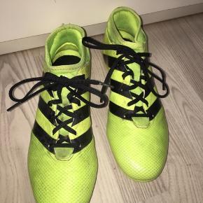 Neon gule fodbold støvler - str. 41 1/3