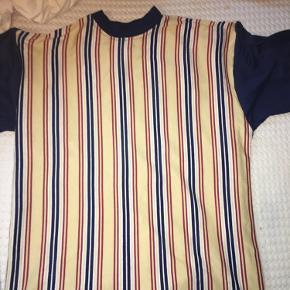 Super fin stribet T-shirt i str L/40