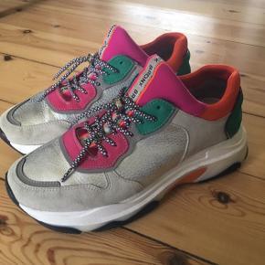 Farverige BRONX sneakers sælges, da jeg ikke får dem brugt 🌈  👟 Brugt to-tre gange.   💰 Nypris 1000 kr.  📍 Skal afhentes i Aarhus.