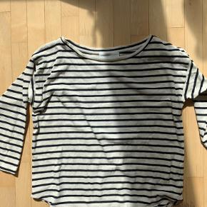 Super fin og god trøje fra madsnørgård:)  (100% bomuld)