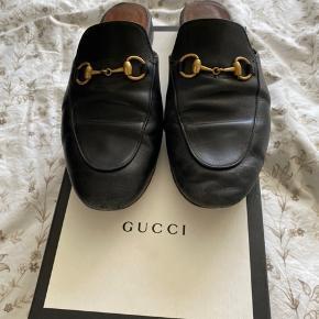 Sælger disse Gucci princetown flats - brugte men fremstår pæne. Sælges med æske og dustbags.  Kan afhentes i Aarhus eller sendes på købers regning ☺️