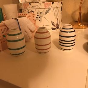 Sælger min Kähler vaser da de bare ligger på mit bord.  Det er den lille model.  Ved ikk hvad np, så bare BYD løs!! Bytter gerne for en større Kähler vase :))