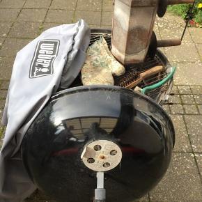 Weber kugle grill med starter og andet tilbehør  Nedsat 100 kr