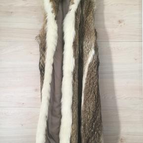 Lækjer varm ulve pelsvest med hætte