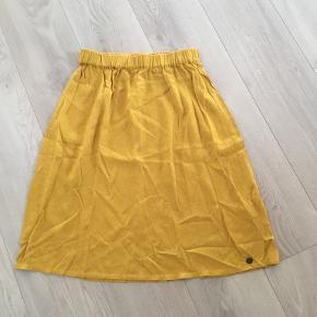 Nümph nederdel
