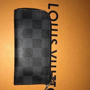 Louis Vuitton nøgleholder (kortholder)- Alt OG følger med - Nypris var 1.250kr  - Cond 9/10