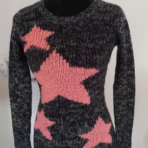 Flot sweater i rigtig fin stand, brugt få gange.