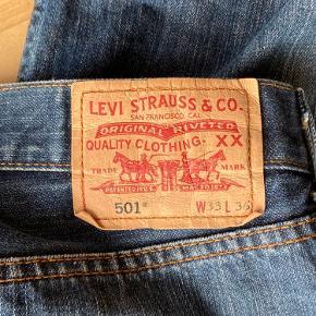Levis 501  33x36 Kom med et bud eller skriv for mere info :)