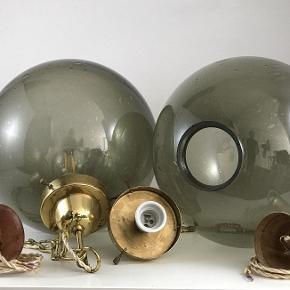 Glas pendant lamper Czech Glaskunst fra 1960'erne. Flot design og smuk belysning. Restaureret, og ny ledning. Diameter Ø 28 cm Evt. som par. 5 stk. på lager Bud modtages gerne