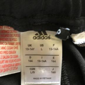 Adidas bukser aldrig brugt