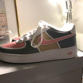 Super fede custom kicks :))
